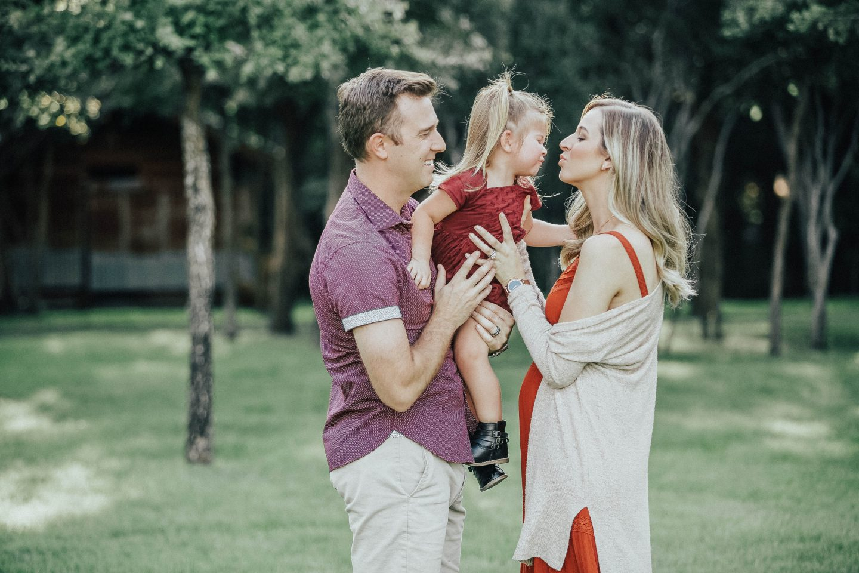 pregnancy-reveal-family-photos